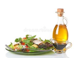 saláta hidegen sajtolt olajjal